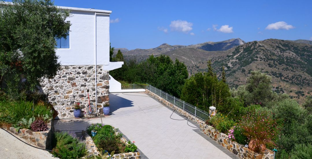 corali-studios-mountain-villa-19